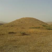 کتاب تومولوس یا تپه های شنی